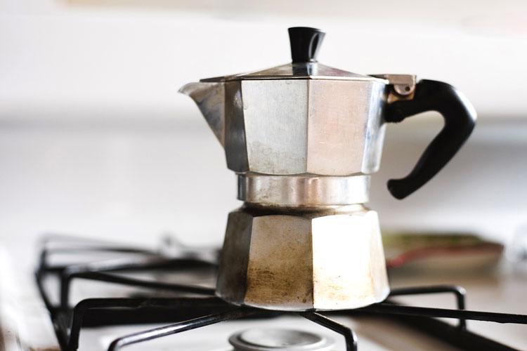 Brewing an Espresso with a Moka pot