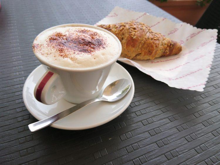 Italian-cappuccino-darlocoffee